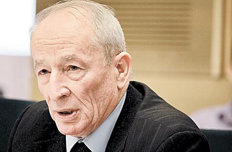 היועץ המשפטי לממשלה יהודה וינשטיין. דרש לשנות סעיפים מקפחים בחוזים