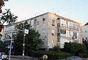 """בניין ברחוב דן 54 בת""""א, שהפרויקט שלו תקוע . צילום: אוראל כהן"""