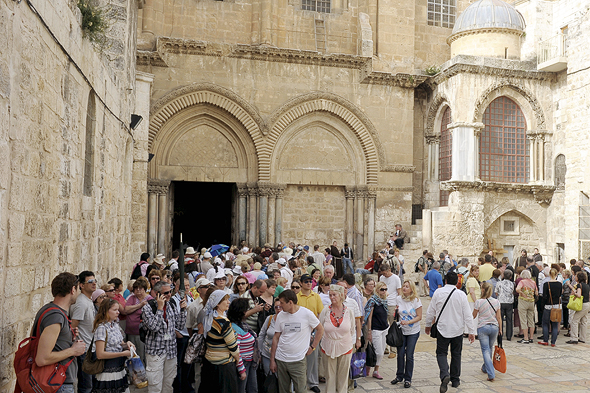 Tourists in East Jerusalem. Photo: Guy Asayag