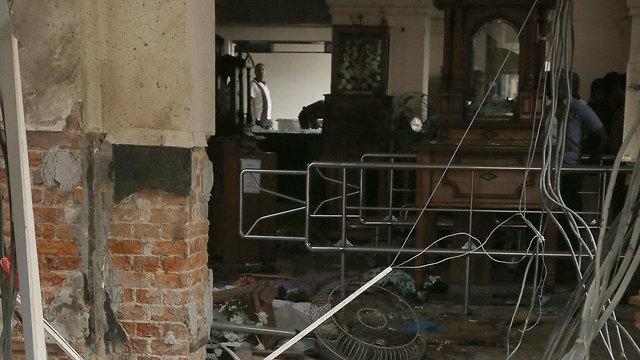 נזק רב בכנסייה (צילום: EPA)